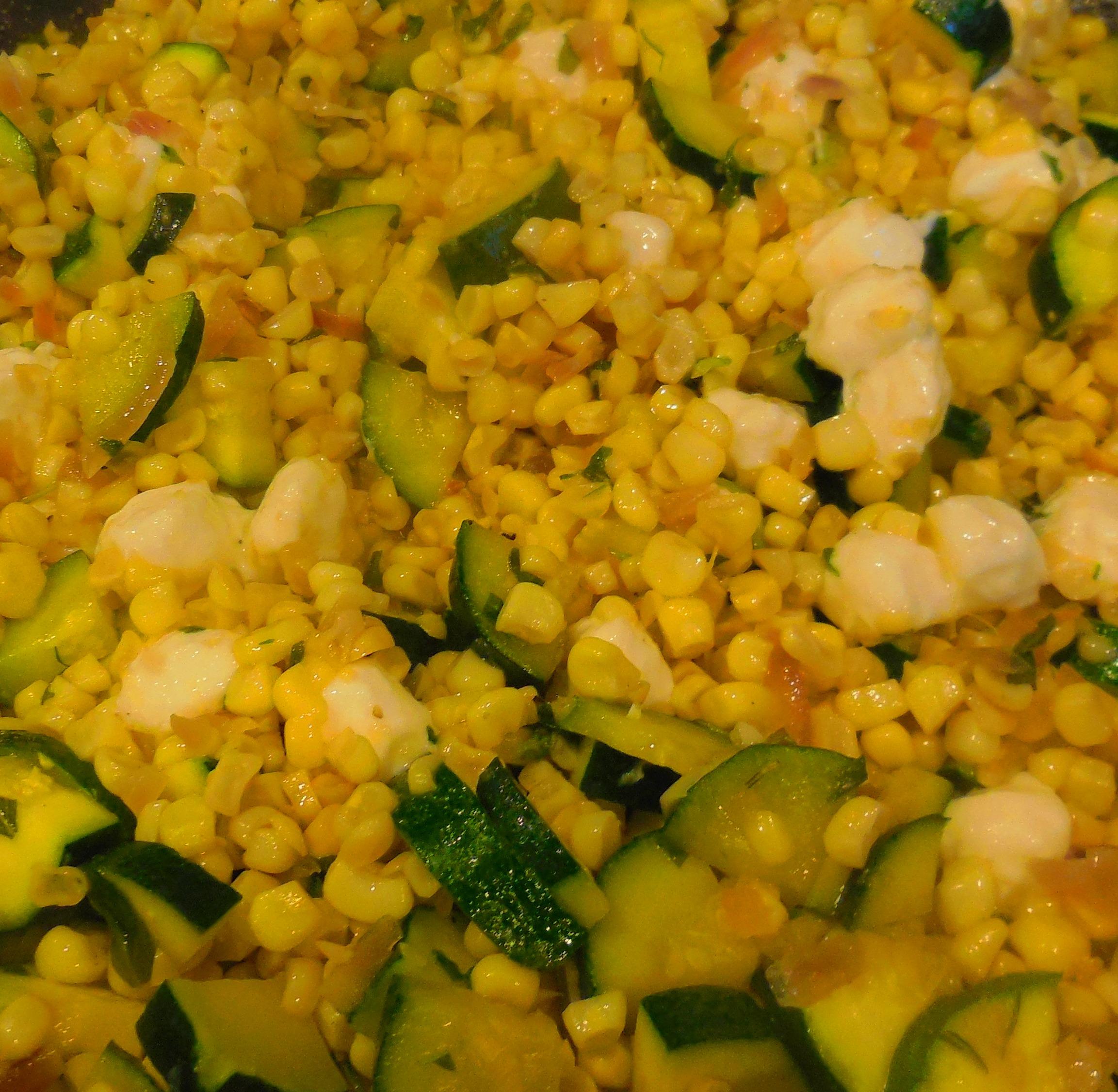 Fresh Corn, Zucchini & Mozzarella Sauté Recipe - Quick Cooking
